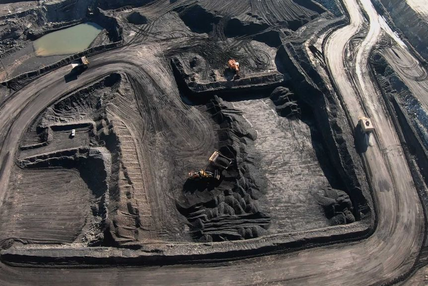 High Court orders fresh hearings into approvals for New Acland coal mine expansion